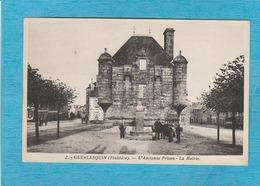 Guerlesquin. - L'ancienne Prison - La Mairie. - Guerlesquin