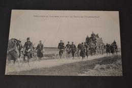 Carte Postale 1910 Camp De Chambaran (38) Cantiniers Et Cyclistes Arrivant Au Camp - Manoeuvres