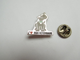 Beau Pin's , Chien , J'aime Mon Vétérinaire - Animaux