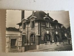 La Croix Saint Leufroy.la Poste - Frankreich