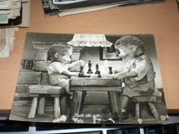Mecki  Fruh Ubt Sich Chess - Mecki