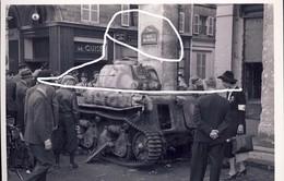 11. 1944 Combats Libération Paris. Char H-39 De Prise Rue De Rivoli. Repro - 1939-45