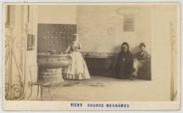 CDV 1870-80 Aléo Et Davanne . Vichy . Source Mesdames . - Oud (voor 1900)