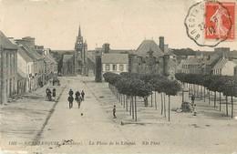 Guerlesquin * La Place De La Liberté   ( Scan Recto Et Verso ) - Guerlesquin