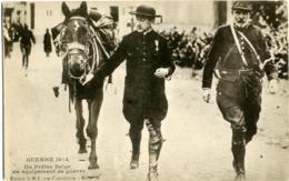 CHEVAL  CAVALLO  Guerre 1914 Un Prêtre Belge En équipement De Guerre - Cavalli
