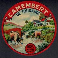 """Et. """" Camembert De TOURAINE """" 30% Matière Grasse -  Vaches Et Ruisseau - Quesos"""