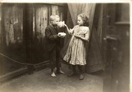 Leaving A Soup Kitchen   NIÑOS KIDS   Fonds Victor FORBIN (1864-1947) - Otros