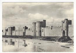 AIGUES-MORTES (Gard).- Les Remparts (XIIIe.s.). Front Sud - Aigues-Mortes