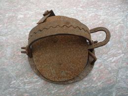 Ancien Piège à Mâchoire Fer Forgé/diamètre 15cm - Popular Art