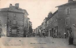 CPA BELLAC - La Rue Du Coq - Bellac