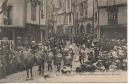 18 BOURGES N°9 Fête Historique  De L'Argentier Jacques Coeur - Groupe D'Hommes D'Armes   Rue Des Toiles - Bourges