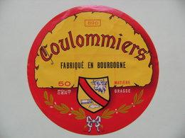 Etiquette Coulommiers - Le Blason - Union Coopérative D'Auxerre 89D Bourgogne - Yonne  A Voir ! - Quesos