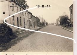 12. Courcelles. Maison Du 18 Août 1944. Représailles De Rex. - Aviation
