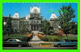 SHERBROOKE, QUÉBEC - LE PALAIS DE JUSTICE - ANIMÉE DE VIEILLES VOITURES - UNIC - - Sherbrooke