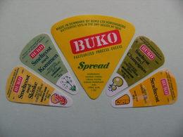 Etiquette Fromage Fondu - BUKO - 5 Portions Diverses Buko LTD Vordingborg - Danemark  A Voir ! - Quesos