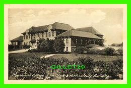 STE ANNE DE BELLEVUE, QUÉBEC - MacDONALD COLLEGE, LIVE STOCK & HORTICULTURE BUILDING - TRAVEL IN 1973 - - Quebec
