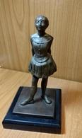 Sculpture En Bronze La Petite Danseuse De DEGAS , Hauteur Environ:15 Cm Sur 9 Cm Avec Socle,cadeau Original De Valeur - Bronzes