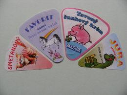 Etiquettes Fromage Fondu - MADETA - 4 Portions Animaux (Chat.Cheval.Dinosaure.Porc) - Tchéquie   A Voir ! - Quesos