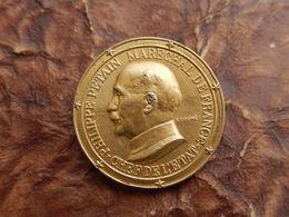 INSIGNE BADGE MARECHAL PHILIPPE PETAIN CHEF ETAT SIGNE COGNE WW2 - France