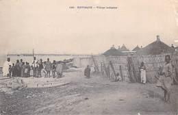 Afrique > Sénégal  RUFISQUE Village Indigène  ETAT= Voir Description (Cpa  Dos:SIMPLE Fortier Dakar N° 140) * PRIX FIXE - Senegal