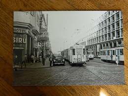 BRUXELLES +TRAM:PHOTO 10X15 LE TRAM A LA  PLACE ROGIER LE 17/09/1959 AVEC INSIGNE VW WOLKWAGEN - Transport Urbain En Surface