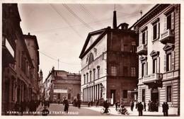 PARMA - Via Garibaldi E Teatro Regio - F/P - V: 1933 - Animata - Parma