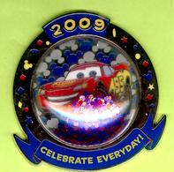 Pin's BD Disney Cars Quatre Roues Flash /Lightning McQueen  - 2H12 - Disney