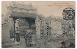INDOCHINE - CPA - ANNAM - HUE - Le Président Du Conseil De La Famille Royale En Costume De Cour - 1901 - Vietnam