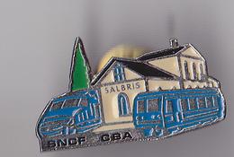 PIN'S THEME TRANSPORT GARE DE SALBRIS EN LOIR ET CHER  SNCF ET BUS - TGV