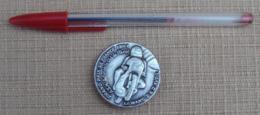 005, Transport Moto, Badge Médaille Insigne Le Mans Grand Prix De France 1983 - Motos