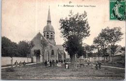 45 ARTENAY - La Place Et église Saint Victor. - Artenay