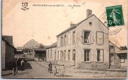 45 BAZOCHES SUR LE BETZ - La Mairie. - France