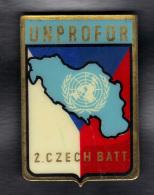 INSIGNE METAL. UNPROFOR NATIONS UNIES , 2. CZECH BATT.  (3SP55) - Insignes & Rubans