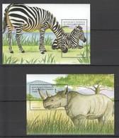 P098 COMORES ANIMALS & FAUNA RHINOCEROS ZEBRAS 2BL MNH - Autres