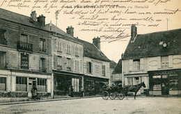LA FERTE -ALAIS  =  Place Du Marché  (attelage)   624 - La Ferte Alais