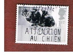 GRAN BRETAGNA.GREAT BRITAIN -  SG 2191  -  2001 CATS & DOGS: CAT ON GATE    - USED - 1952-.... (Elisabetta II)