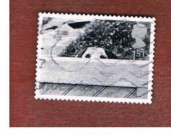 GRAN BRETAGNA.GREAT BRITAIN -  SG 2194  -  2001 CATS & DOGS: DOG BEHIND FENCE    - USED - 1952-.... (Elisabetta II)