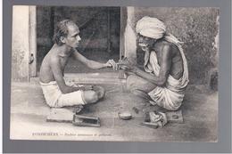 INDIA Pondichéry - Barbier Manicure Et Pédicure Ca 1910 OLD POSTCARD - Indien