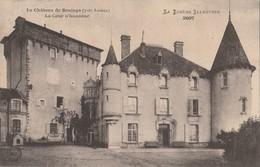 CPA 48 AUROUX  LE CHATEAU  DE SOULAGE LA COUR D'HONNEUR LOZERE ILLUSTREE - France