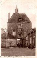 CPSM Meung-sur-Loire Porte D'amont - Animée - Altri Comuni