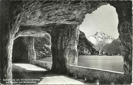 Axenstrasse (Svitto, Svizzera) Am Vierwaldstattersee Mit Fluelen Und Bristenstock - SZ Schwyz