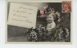 ENFANTS - BEBES - Jolie Carte Fantaisie Bébé Et Fleurs FAIRE PART DE NAISSANCE - Bébés