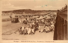 22. CPA. SABLES D OR Les Pins.  Terrasse Du Camping House. Série Bretagne. - France