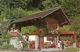 Alter Speicher (Berne, Svizzera) Im Berner Oberland Mit Trachtengruppe - BE Berne