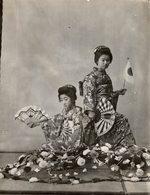 TRIUMPHAL DANCING GEISHA GIRLS  JAPON JAPAN JAPANESE  Fonds Victor FORBIN (1864-1947) - Personalidades Famosas