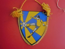 SPORTING TOULONNAIS  DE TOULON VAR   FANION CLUB DE FOOT --Sports  Football  Habillement, Souvenir & Logo - Apparel, Souvenirs & Other