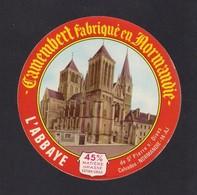 Etiquettes De Fromage. Camembert L'Abbaye De Saint Pierre Sur Dives (14). - Quesos