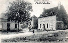 CHAMPALLEMENT - UN COIN De La PLACE Et ROUTE De CHAMPLAIN - - Autres Communes