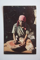 POSTCARD BOTSWANA, Moshaneng - Kgatla Pottery - Botswana