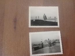 Blankenberghe  2 Photos Sur La Digue - Cartes Postales